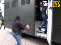 """Власти Белоруссии объявили о задержании более 30 россиян. По версии белорусских властей, они входили в группу """"из 200 боевиков, прибывших в Белоруссию для дестабилизации обстановки в период избирательной кампании"""""""