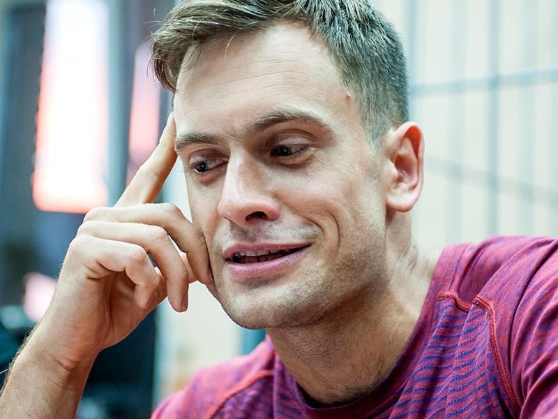 Петр Верзилов получил за паспорт Канады обвинение по статье 330.2 УК