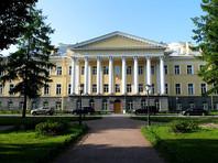 1-й Западный окружной военный суд направил на принудительное лечение 68-летнего пенсионера из Петербурга Александра Коваленко, которого обвиняли в оправдании терроризма
