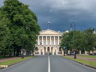 """По данным """"Фонтанки"""", активизация проверочных мероприятий Смольного связана с повышенным вниманием Минздрава и Кремля к ситуации со страховыми выплатами"""