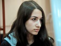 Суд продлил меру пресечения младшей из сестер Хачатурян и запретил ей участвовать в массовых мероприятиях