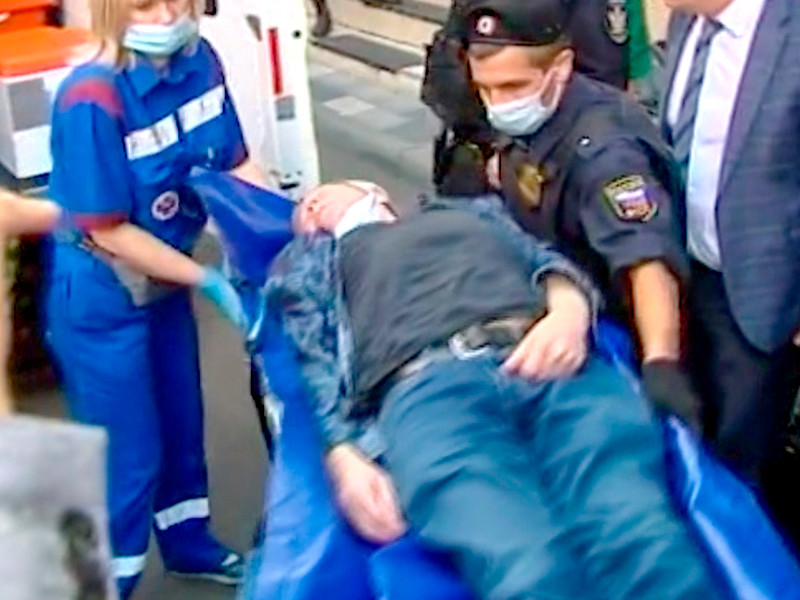 Михаила Ефремова госпитализировали из зала суда, где должно было состояться очередное заседание по делу о смертельном ДТП