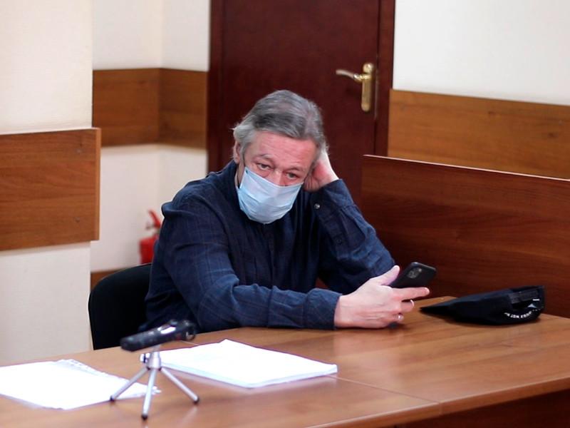 Михаил Ефремов в Пресненском районном суде, 5 августа 2020 года