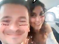 Молодожены поделились фотографиями и видео церемонии в соцсетях. Свадьба должна была состояться летом, но из-за коронавируса ее пришлось перенести