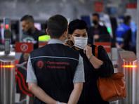 В московском метро усилили контроль за ношением масок: они по-прежнему обязательны в транспорте, штрафы никто не отменял