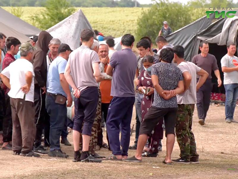 С мая из Самарской области на родину были вывезены около 10 тыс. граждан Узбекистана. 12, 14, 19 и 23 сентября на поезде были отправлены на родину более 3,5 тыс. человек, 16 сентября из Самарской области улетели на самолете около 150 человек