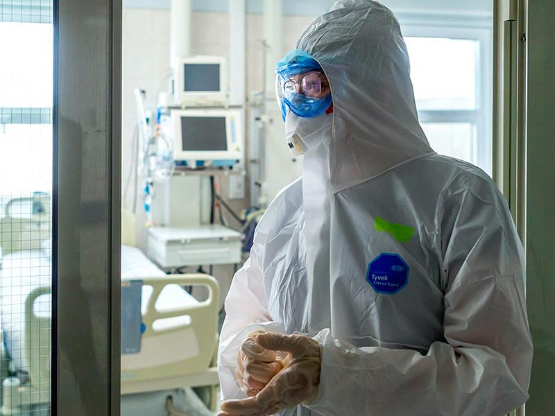 В РФ впервые с середины июня больше 8 тысяч новых случаев коронавируса, в Москве второй день подряд больше 2 тысяч