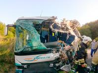 По данным пресс-службы ГУ МЧС РФ по Калининградской области, столкновение с рейсового автобуса N 120 и грузовика произошло возле поселка Круглово около 10:20 (время местное)