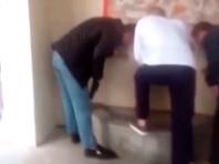 В Калининграде несколько человек помыли ноги в святом источнике у кафедрального собора Христа Спасителя. Свою выходку они сняли на видео и выложили в интернет