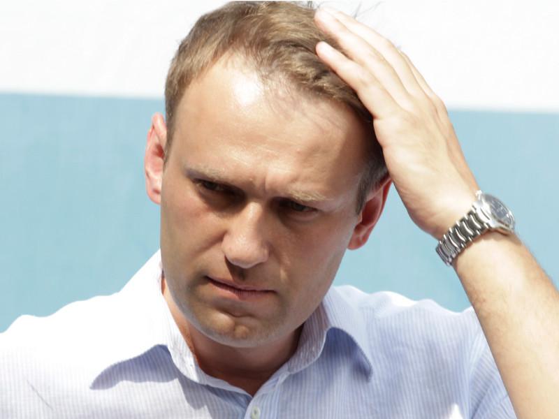 Хотя руководство РФ продолжает отрицать факт отравления Алексея Навального, врачи, наблюдавшие его в Омске, сразу определили у него симптомы отравления нервно-паралитическим агентом