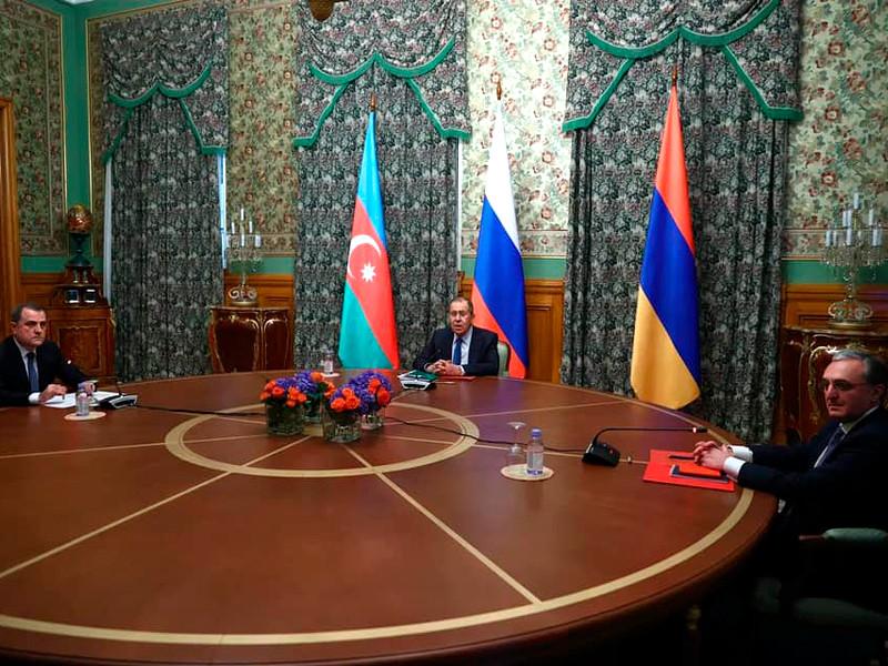 В Москве начались трехсторонние консультации глав МИД России, Армении и Азербайджана Сергея Лаврова, Зограба Мнацаканяна и Джейхуна Байрамова
