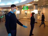 """Большинство пассажиров петербургского метрополитена соблюдают """"масочный режим"""" при входе в подземку, но треть из них снимают маски, пройдя контроль на входе и оказавшись внутри"""