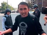 """Следователи обнаружили в интернете видеоролик, на котором один из участников акции на Пушкинской площади 31 августа 2019 года критикует мирную форму протеста и говорит, что бороться с властью нужно """"как на Украине"""""""