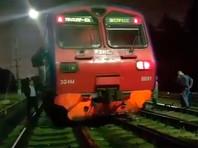 Электричка сошла с рельсов на станции Толстопальцево Киевского направления Московской железной дороги