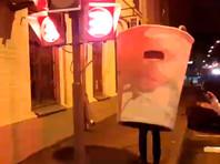 Московского активиста оштрафовали запрогулку вкостюме стаканчика