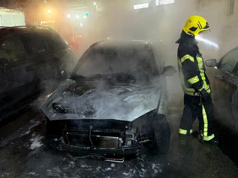 Автомобиль Марины Малковой подожгли вечером 23 ноября, на месте происшествия был найден баллон, возможно, аэрозольный. Два очевидца рассказали, что пожар начался под машиной, горели все четыре колеса. Автомобиль восстановлению не подлежит