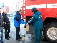 В обесточенных районах Владивостока развернуты полевые кухни, где горожанам бесплатно раздают горячее питание, питьевую воду и газовые баллоны. Развернуты пункты временного размещения, подключенные к электро- и водоснабжению детсады перешли на круглосуточный режим работы