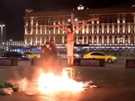 5 ноября, сотрудники полиции задержали Крисевича во время его акции у здания ФСБ на Лубянке. Акционист был в образе Христа на распятии, и вокруг него горели тома материалов дел