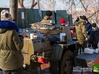 Во Владивостоке работают полевые кухни