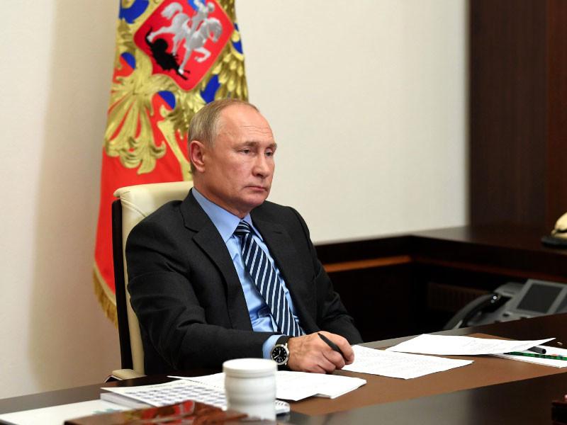 Путин поздравил Санду с избранием на пост президента Молдавии, тогда как Додон намерен судиться