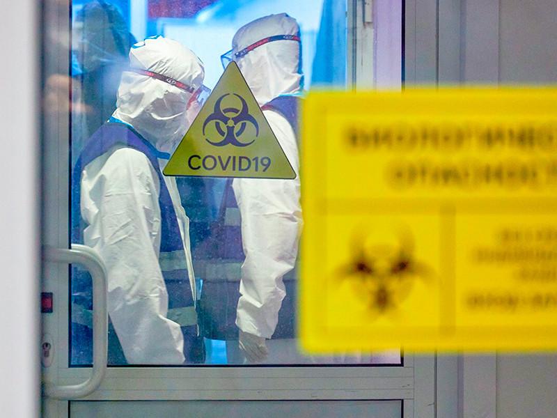 В России за последние сутки выявлено 25 345 случаев коронавируса в 85 регионах. Суточная смертность второй день подряд бьет рекорды
