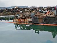 """В Севастополе сообщили о разливе нефтепродуктов при утилизации """"невезучего"""" корабля """"Керчь"""""""