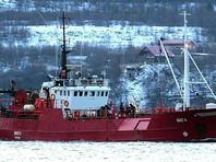 Поиски рыбаков с затонувшего судна в Баренцевом море будут идти как минимум сутки