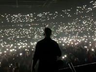 """Главе петербургского комитета по культуре объявили выговор после """"антисанитарного"""" концерта Басты"""