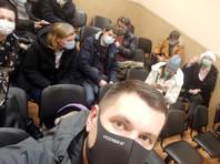 """В Петербурге полиция сорвала заседание и задержала 13 муниципальных депутатов за """"нарушение режима самоизоляции"""""""
