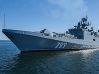 Фрегат РФ в Черном море провел тренировку на фоне захода эсминцев США