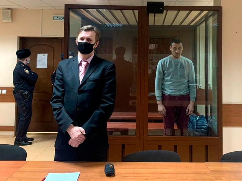 Пресненский районный суд Москвы заключил под стражу на два месяца Тимура Салихова, обвиняемого в применении насилия в отношении представителя власти на несанкционированной властями акции 23 января в столице