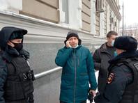 """В Москве задержали главреда """"Медиазоны"""", вышедшего гулять с маленьким сыном (ВИДЕО)"""