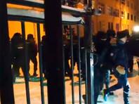 В Москве, Химках, Петербурге и других городах полиция задержала больше 70 сторонников Алексея Навального