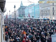 В Петербурге омоновец пнул ногой в живот женщину (ВИДЕО)