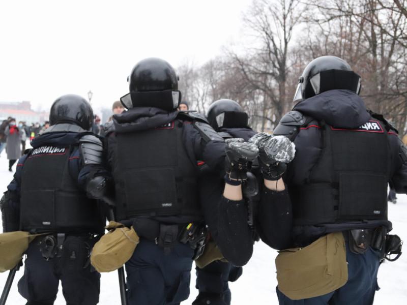 В ходе акций задержали более 3695 человек в 125 городах, среди них 195 несовершеннолетних и 49 журналистов