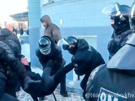 На Дальнем Востоке и в Сибири проходят массовые задержания на акциях в поддержку Навального