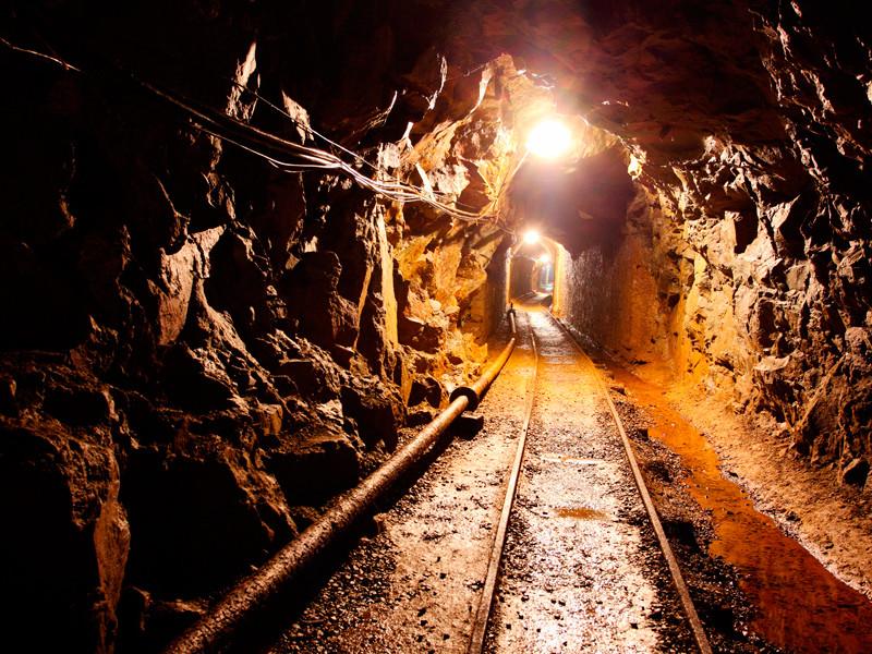 При обрушении на шахте Кузбасса погибли три человека