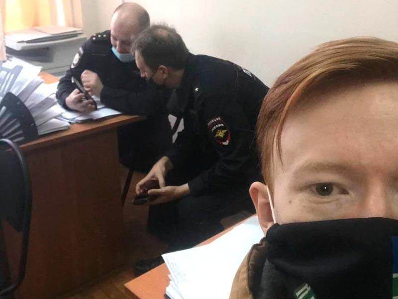 Алексей Иванов в отделении полиции