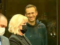 Реальный вместо условного: Навальный приговорен к 2 годам и 8 месяцам колонии. Это решение будет обжаловано