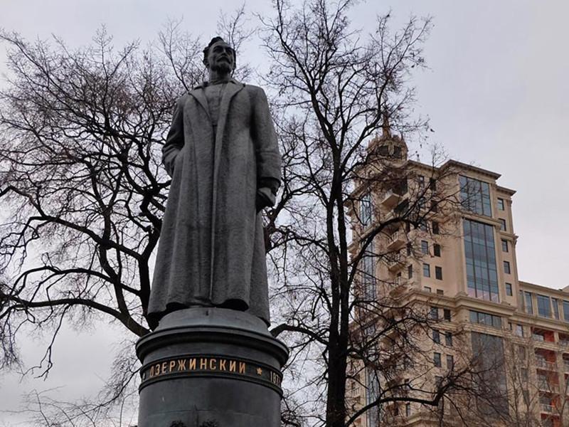 В Кремле сочли провокационным вопрос о возвращении памятника Дзержинскому на Лубянку