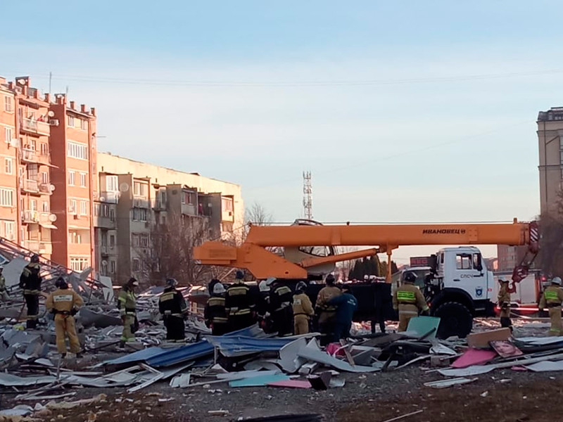 В столице Северной Осетии произошел мощный взрыв, который полностью разрушил здание супермаркета