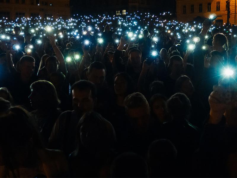 Студентам, проживающим в общежитии Брянского государственного университета, запретили использовать портативные источники света в День всех влюбленных