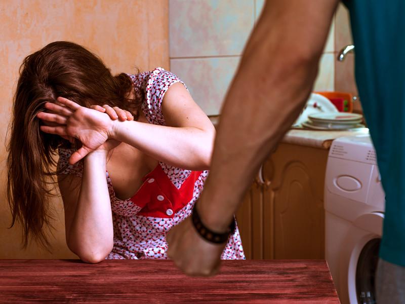 Правозащитники насчитали в России в 20 раз больше жертв домашнего насилия, чем полиция