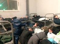 """Арестованного главреда """"Медиазоны"""" и еще почти 30 человек поместили в восьмиместную камеру (ФОТО)"""