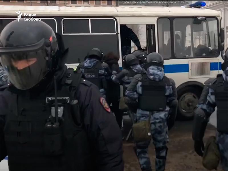СПЧ призвал власти РФ прекратить использование спецсредств на акциях протеста и начать искать компромисс