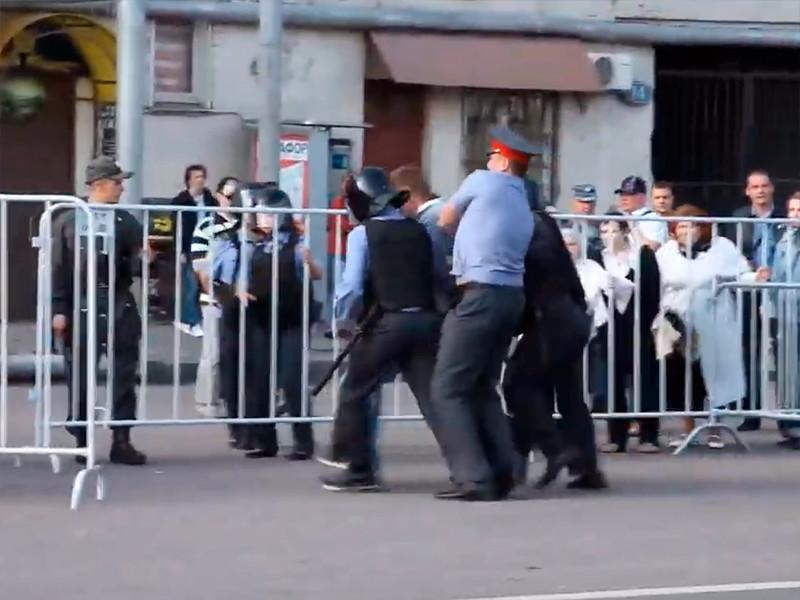 Минюст России не стал обжаловать решение Европейского суда по правам человека (ЕСПЧ) о выплате компенсации оппозиционному политику Алексею Навальному в связи с его задержанием на акции протеста на Болотной площади в 2012 году, сообщили в пресс-службе ведомства