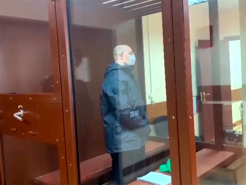 На фото - Станислав Ахмедов, обвиняемый в совершении преступления, предусмотренного ч.1 ст. 318 (применение насилия в отношении представителя власти) УК РФ