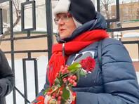 На акции присутствует муниципальный депутат Тимирязевского района Юлия Галямина