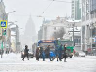 Москву с утра засыпало снегом, пробки достигли 10 баллов