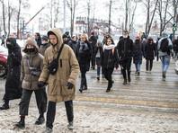 Одинаково равнодушны к политике в России все категории населения: в возрасте от 18 до 24 лет не интересуются политикой 28%, от 25 до 39 лет - 26%, от 40 до 54 лет - 29%, от 65 лет и старше - 27%